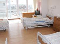 病室  1床あたりの広さにゆとりをもたせました