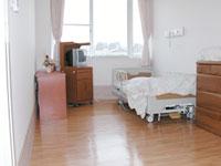 療養室  見晴らしが良い快適なお部屋です