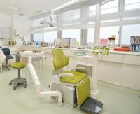 歯科診療室  明るくリラックスできる 歯科診察室です